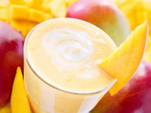 Hydrating and Acne Fighting Mango Smoothie