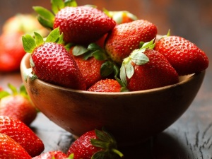 Relaxing & Exfoliating Strawberry Foot Scrub
